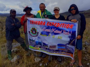 trikora-peak-exp-2016 with Trek-Papua. Mac is mount climbing expert. Mac with Megan Christen. Papua expedition with Trek Papua. Mount climber in Papua. Trikora peak expert