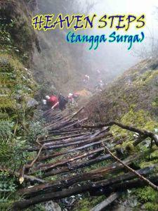 extreme honeymoon tour in Dani tribe, Papua, Wamena, Yali tribe tour, Mek tribe, Papua culture photography, Elelim regency, Apahapsili tour. Yarema village, Pipisim village. Erege village, Bird of oaradise, Melanesian way.